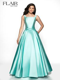 Style 19018 Flair Prom Light Green Size 6 Prom A-line Dress on Queenly