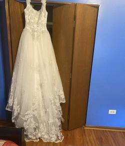 Santa Monica White Size 4 Wedding Lace Ball gown on Queenly