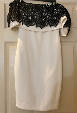 Badgley Mischka White Size 2 Cocktail Dress on Queenly