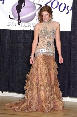 Mac Duggal Nude Size 4 Short Height Straight Dress on Queenly