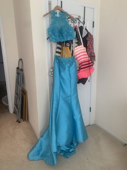Madison James Blue Size 2 Mermaid Dress on Queenly