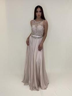 Cinderella Divine Pink Size 4 Ball gown on Queenly