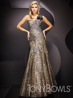 Style TBE11068 Tony Bowls Multicolor Size 6 One Shoulder Homecoming Tall Height Mermaid Dress on Queenly