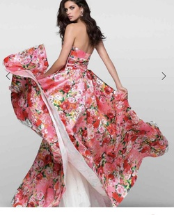 Tarik Ediz Pink Size 4 Ball gown on Queenly