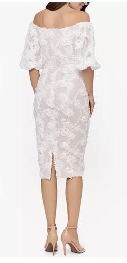 XSCAPE White Size 4 Lace Cocktail Dress on Queenly