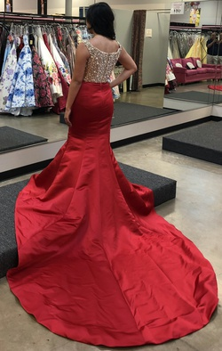 Ashley Lauren Red Size 4 Train Fitted Mermaid Dress on Queenly