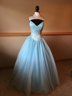 Tiffany Blue Size 6 Ball gown on Queenly