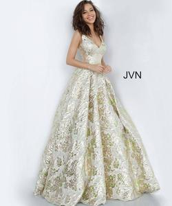 Style JVN3809 Jovani Gold Size 2 Green Tall Height Ball gown on Queenly