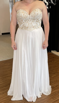 Angela & Alison White Size 16 Tulle Embroidery Straight Dress on Queenly