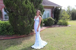 Jovani Blue Size 2 Straight Dress on Queenly
