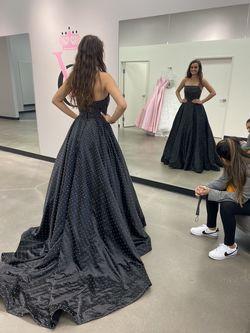 Sherri Hill Black Size 4 Train Dress on Queenly