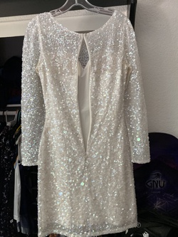 Ashley Lauren White Size 4 Tall Height Cocktail Dress on Queenly