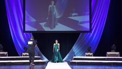 Green Size 00 Ball gown on Queenly
