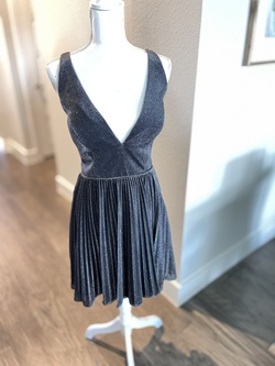 Alyce Paris Silver Size 8 Cocktail Dress on Queenly
