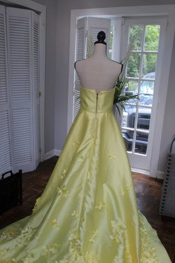 Sherri Hill Yellow Size 10 Pageant Short Height Side slit Dress on Queenly