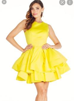 Ashleylauren  Yellow Size 6 Pockets Cocktail Dress on Queenly