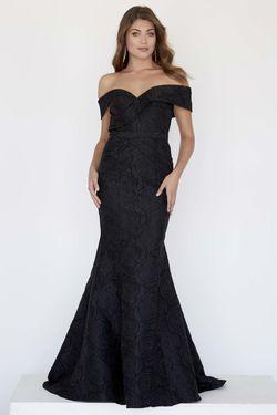 Style 18034 Jolene Black Size 6 Mermaid Dress on Queenly