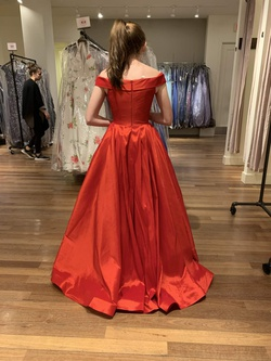 Ava Presley Red Size 4 Silk Ball gown on Queenly