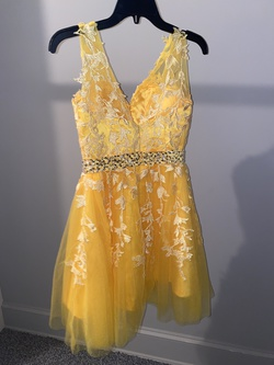 Bravado Yellow Size 2 Interview Homecoming A-line Dress on Queenly