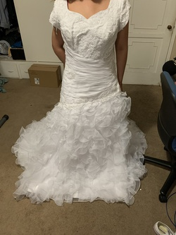En Vogue White Size 16 Ruffles Sleeves A-line Dress on Queenly