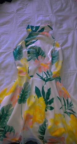 Multicolor Size 2 A-line Dress on Queenly