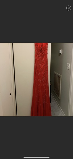 Red Size 00 Mermaid Dress on Queenly