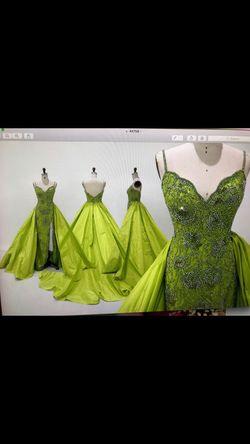 Sherri Hill Green Size 2 Side slit Dress on Queenly