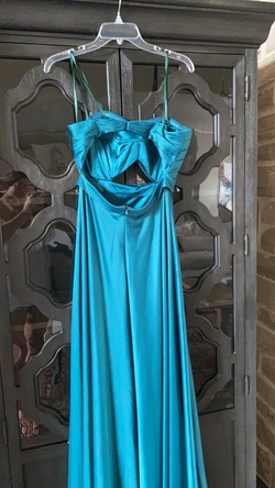 La Femme Green Size 8 A-line Dress on Queenly