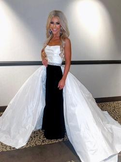 Sherri Hill White Size 4 Tulle Custom Overskirt Strapless Train Dress on Queenly