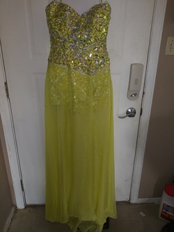 Party Time Yellow Size 4 Train Dress on Queenly