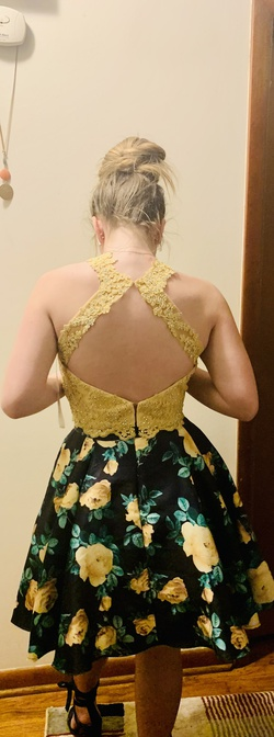 Yellow Size 4 Cocktail Dress on Queenly