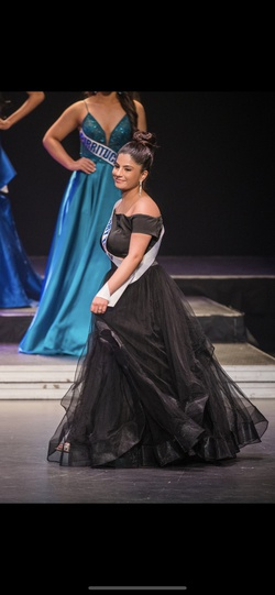Black Size 4 Ball gown on Queenly