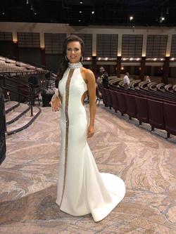 Gregory Ellenburg White Size 4 Halter Pageant Sequin Mermaid Dress on Queenly