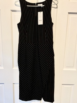 DKNY size 6 Black Size 6 Wedding Guest Cocktail Dress on Queenly