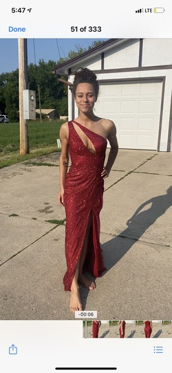 House of Wu Red Size 0 Train Side slit Dress on Queenly