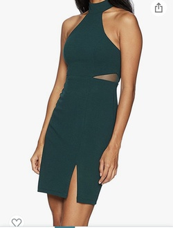 Green Size 10 Cocktail Dress on Queenly