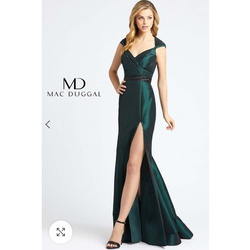 Style 12118 Green Size 4 Side slit Dress on Queenly
