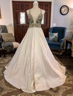 Jovani White Size 4 Pageant Jewelled Ball gown on Queenly