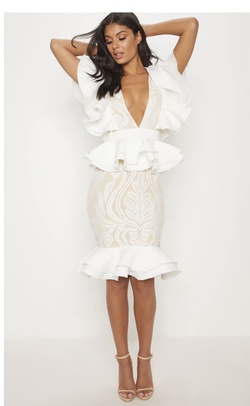 White Size 2 Cocktail Dress on Queenly