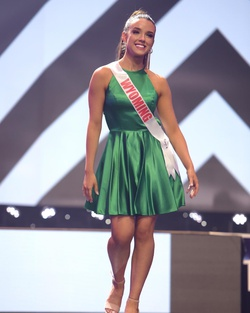 Sherri Hill Green Size 2 Flare Pageant A-line Dress on Queenly