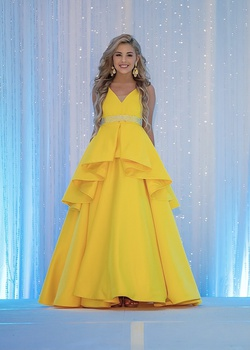 Custom Yellow Size 00 Ruffles Ball gown on Queenly