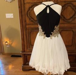 Blondie Nites Black Size 2 Cocktail Dress on Queenly