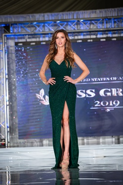 Jovani Green Size 00 Side slit Dress on Queenly