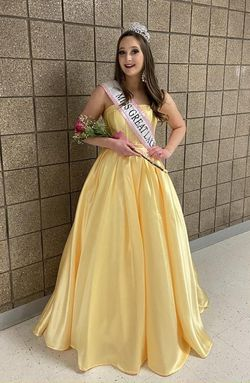Style 20323 Madison James Yellow Size 4 Silk Pageant Ball gown on Queenly