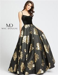 Style 25955 Mac Duggal Black Size 6 Floral Tall Height Ball gown on Queenly