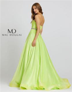 Style 67105 Mac Duggal Green Size 4 Prom Pageant Ball gown on Queenly