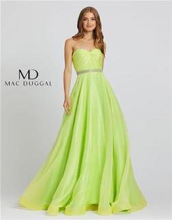 Style 67105 Mac Duggal Green Size 6 Prom Pageant Ball gown on Queenly