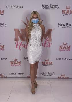 Ashley Lauren White Size 4 Custom Halter Cocktail Dress on Queenly