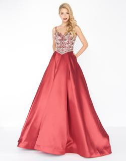 Style 66285 Mac Duggal Red Size 4 Pageant Silk Ball gown on Queenly