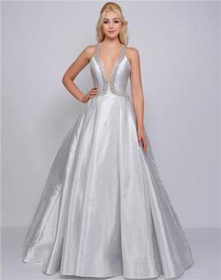 Style 62973 Mac Duggal Silver Size 6 Halter Tall Height Ball gown on Queenly